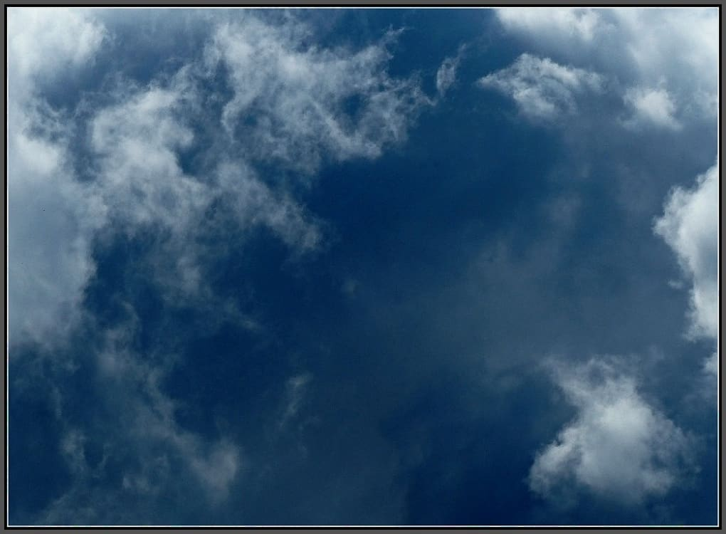 A cloudscape with mixed colours